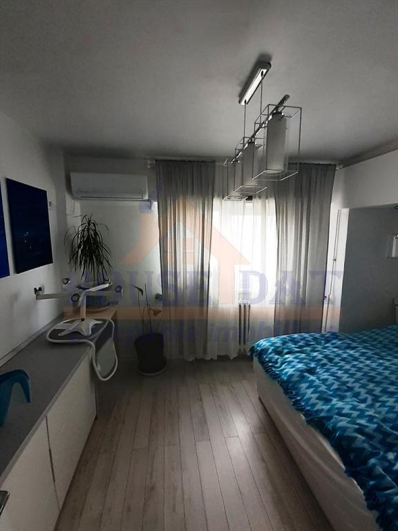 VanzareVanzare apartament 3 camere, Mosilor, Eminescu, 70 mp, etaj 10, 1982, smart.