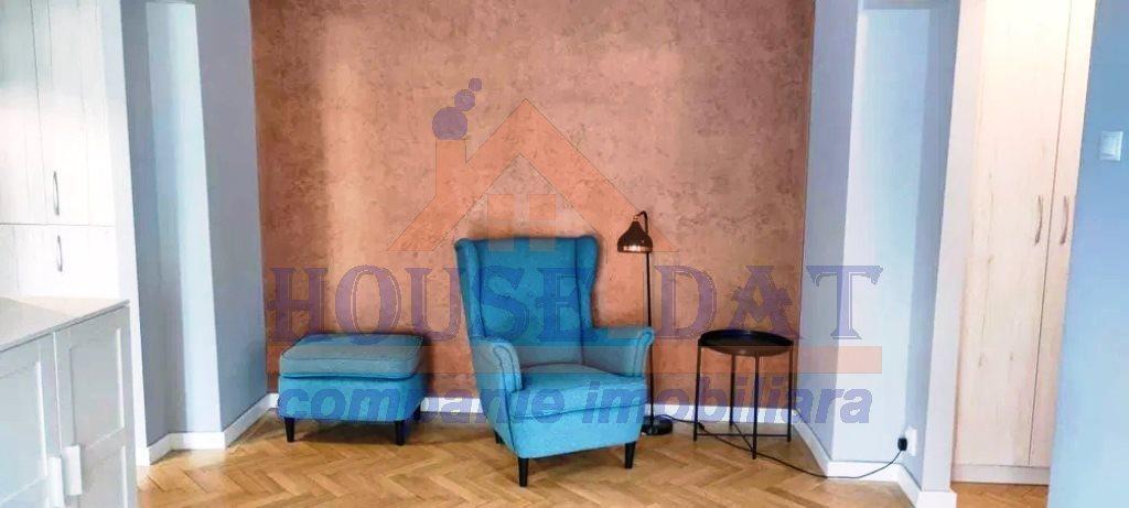 Inchiriere apartament 3 camere, Mosilor- B-dul Carol, Anul 1984, Aer conditionat, 2 bai, aer conditionat, spatii depozitare.